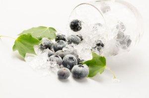 画像1: 【送料込み】果物の恵み 朝摘み取りの冷凍ブルーベリー 500g
